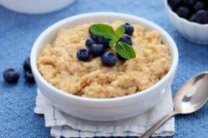 Havregryn er en mettende matvare som gir deg god metthetsfølelse