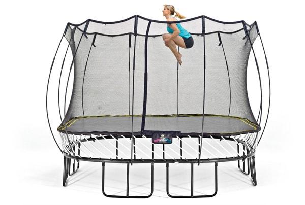 Høye knær trampoline