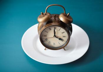 Klokke på tallerken